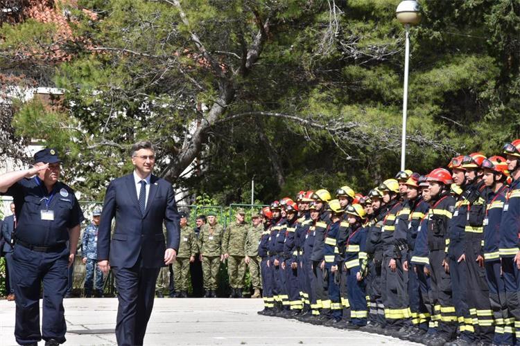 Plenković u Divuljama pohvalio sinergiju svih dionika vježbe, impresivne zračne pomorske snage i tehnološki napredak