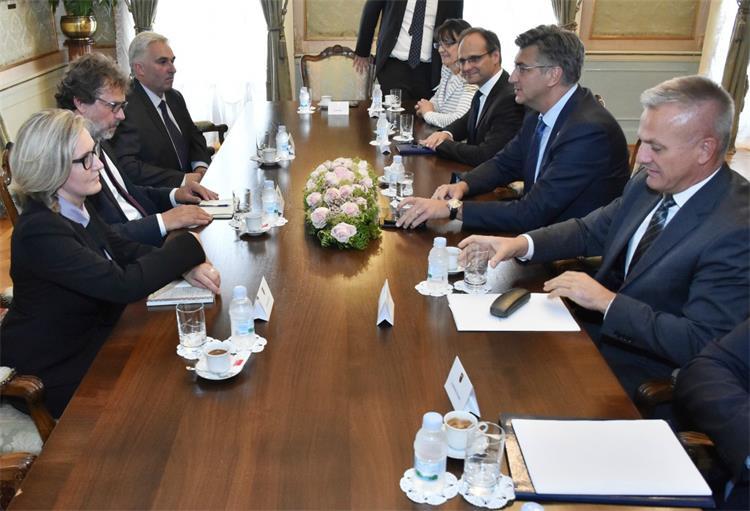 Potpora Vlade RH položaju i razvoju kulturnog identiteta hrvatske manjine u Srbiji