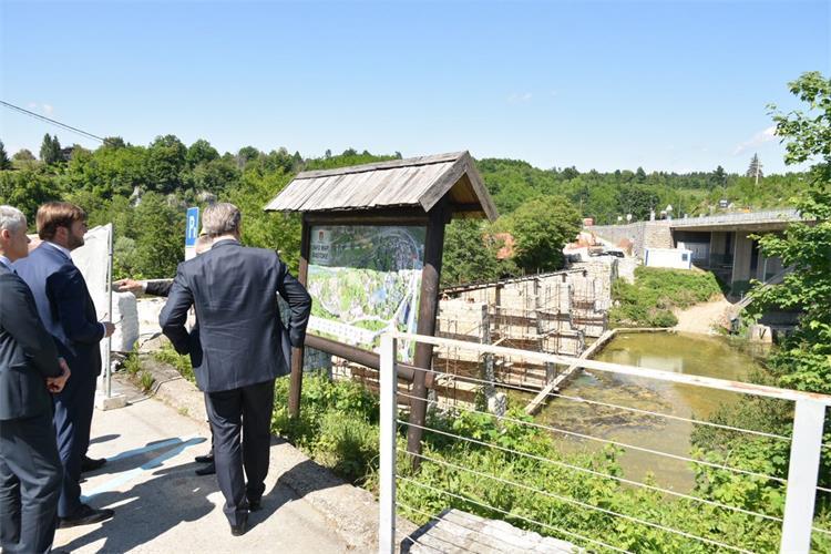 plenković u slunju: razvoj vodnoga gospodarstva bitno će utjecati na kvalitetu života naših ljudi u ovome kraju