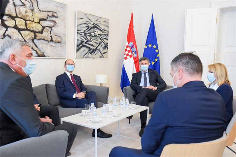 plenković s predstavnicima međunarodne košarkaške federacije