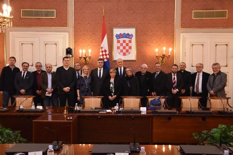 http://hrvatskifokus-2021.ga/wp-content/uploads/2018/03/zf-2.jpg
